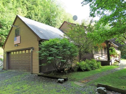 Photo for 274 Hade Hollow Road