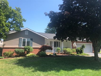 Photo for 21 Pinewood Dr