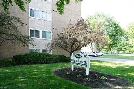 Photo for 6640 Pearl Road 210