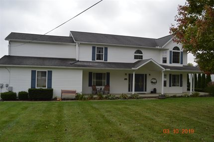 Photo for 5594 River Rd. Madison, Ohio 44057