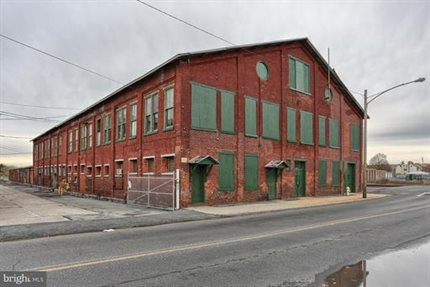 Photo for 255 N Lincoln Ave #Building #1