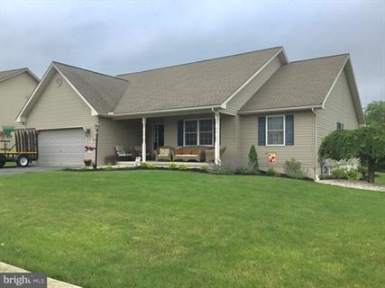 Photo for 33 Creek Dr