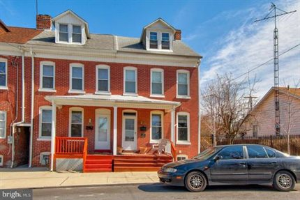 Photo for 635 Girard Ave