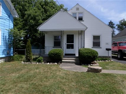 Photo for 241 Lake Breeze Road
